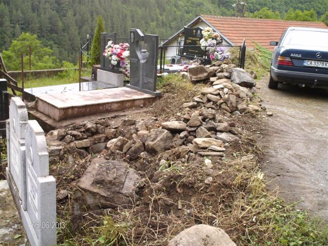 Гроб на бг офицер в Босилеград 2 Small